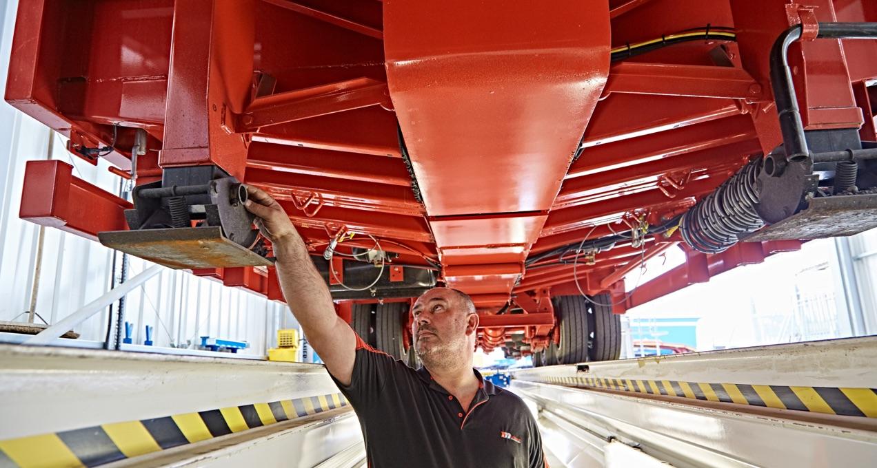 STH Engineer maintaining HGV trailer